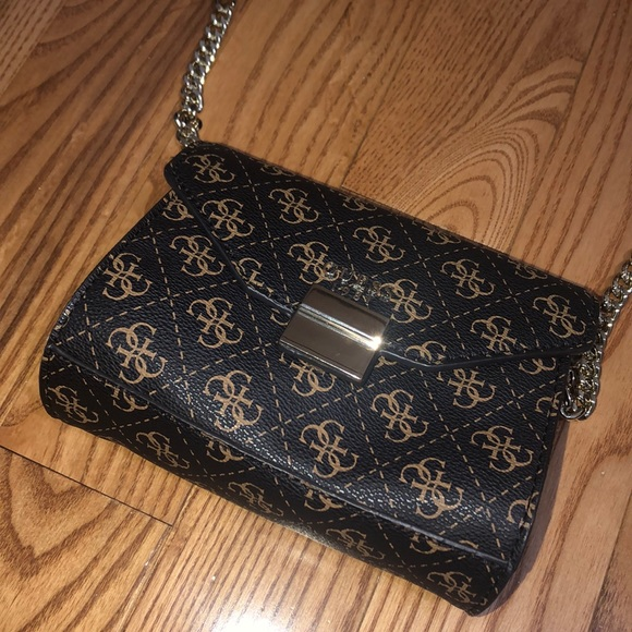 Guess Handbags - Guess Crossbody Bag - Gently Used